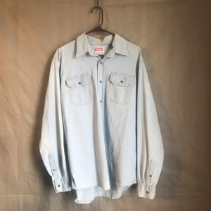 Wrangler Chambray buttoned up long sleeve shirt